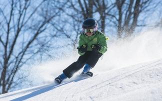 Kinder auf Ski (c) pixabay