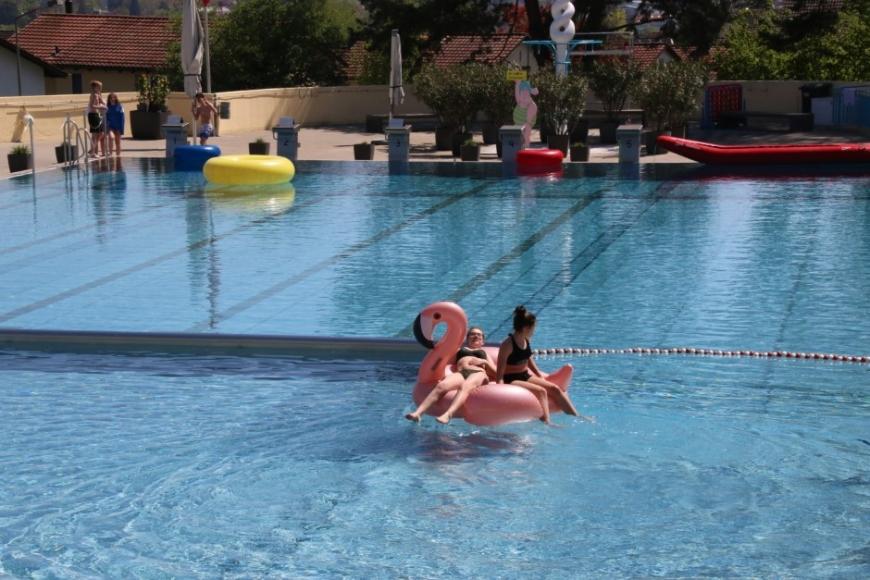 Schwimmbad Wolfensberg in Winterthur,