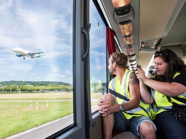 Erlebnisreiche Rundfahrt am Flughafen Zürich