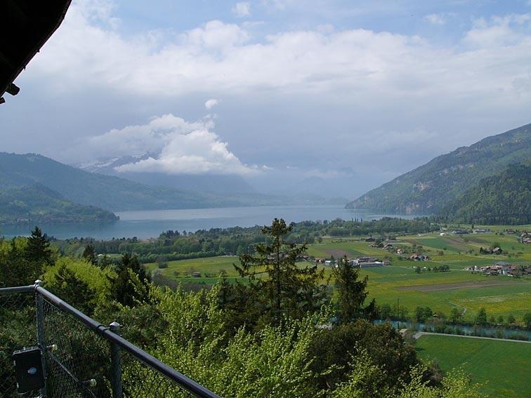 Ausblick gegen Westen mit dem Thunersee und dem Niesen