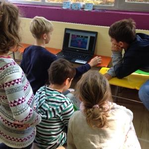 Kinder tauchen in die digitale Welt bei Codillion