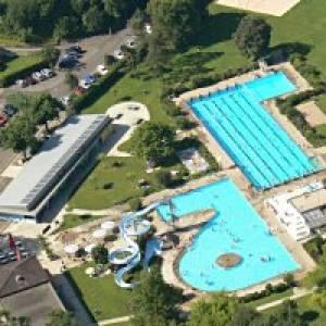 Schwimmbad Nau in Laufen