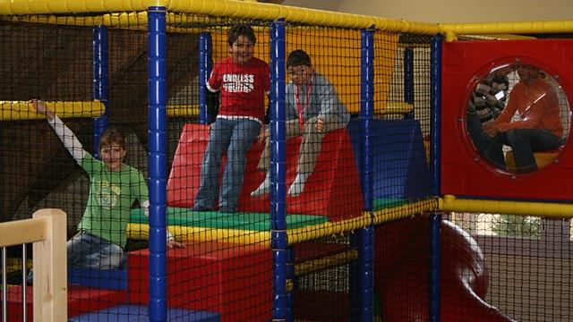 """Indoorspielplatz """"Spielschüür"""" im  Freizeitpark Niederbüren"""